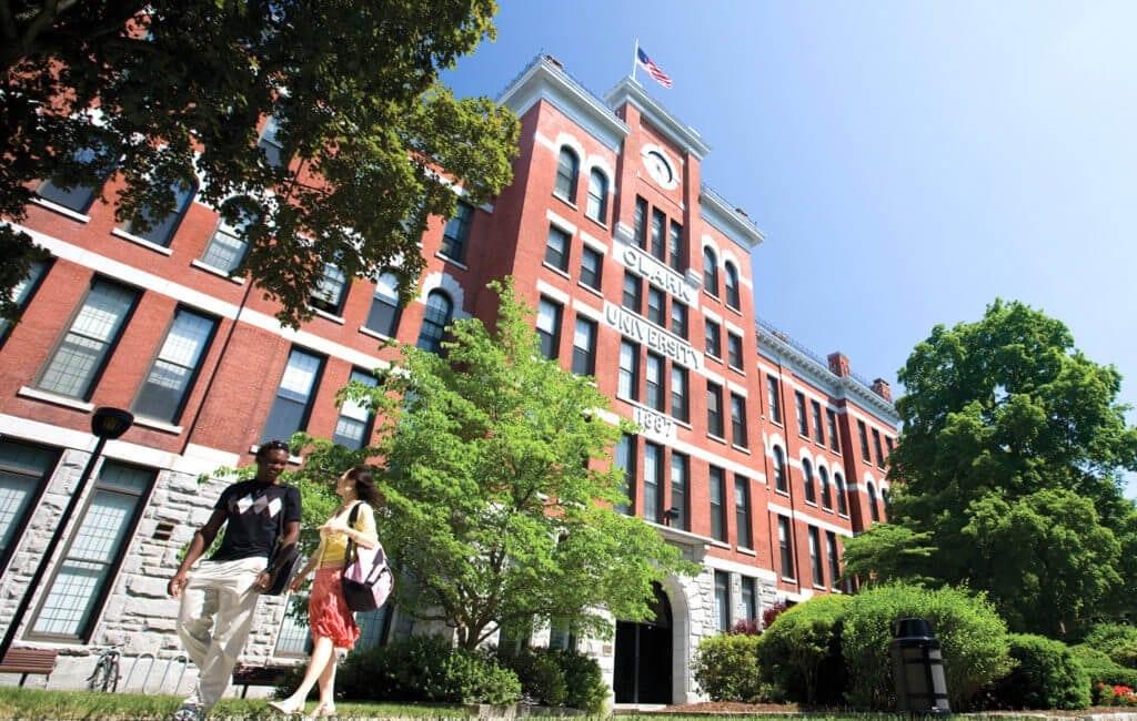 Clack University - ngôi trường danh giá tại New England