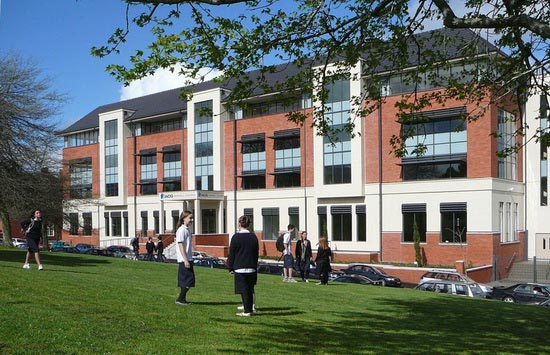 Du học trung học phổ thông Úc 2017 trường Taylors College